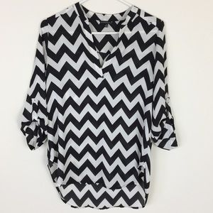 Staccato Black and White Zig Zag Blouse Size S